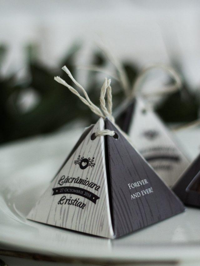 Cutiuță piramidă personalizată